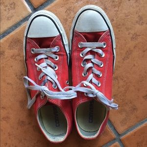 Converse Red size 8